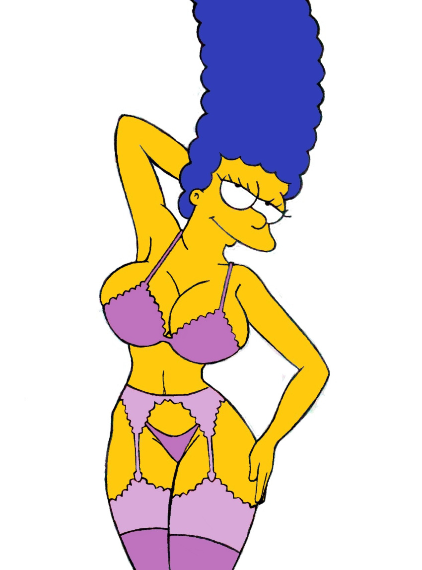 Marge simpson almost naked — pic 3